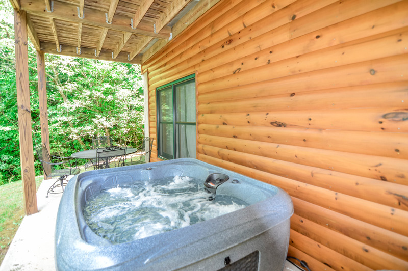 Hot Tub Cabin Mountains North Goergia