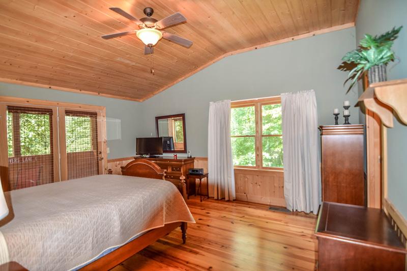 North Georgia Vacation Cabin Bedroom