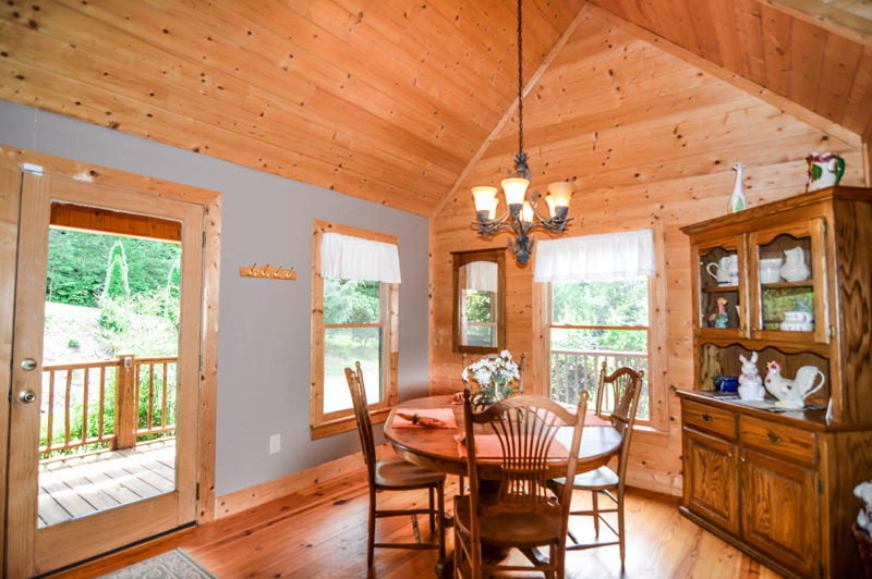 Towns County Cabin Rental Dining Room