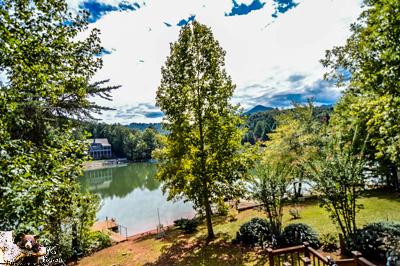 Lakeside Chalet 20