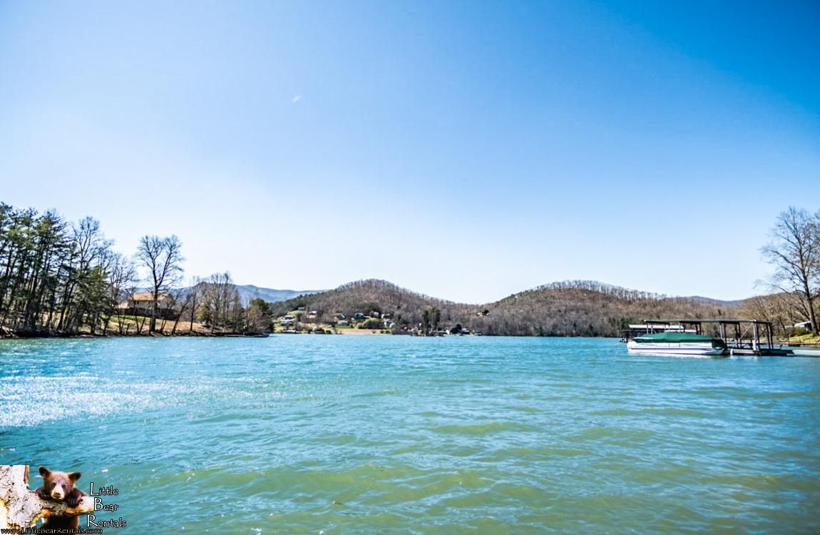 Lakeside Paradise - Hiawassee