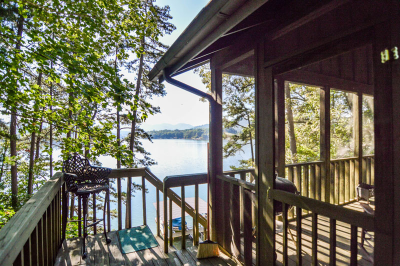 Lakeside Cabin Rugged Oaks 9