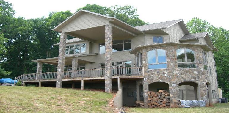 Twelve Oaks Lodge